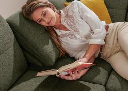A relax funkció segítségével kényelmesen, hátradőlve olvashatunk