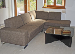 Egyszerű, letisztult, szögletes vonalvezetésű ADA 6435-ös kanapé