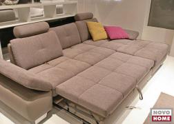 6679 ADA Trendline kanapé egy kiállításon