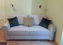 Lara ágyazható kanapé vásárlónk otthonában Mystic 201 szövettel