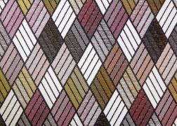 Parketta-Rozsaszin kollekciónk geometrikus, merész minták és színek játékával hódít.
