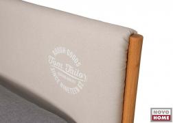 Az ágy fejvége opcionálisan kör alakú Tom Tailor felirattal is kérhető